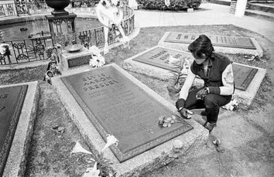 Glen Danzig Pays His Respects at the Gravesite of Elvis Presley