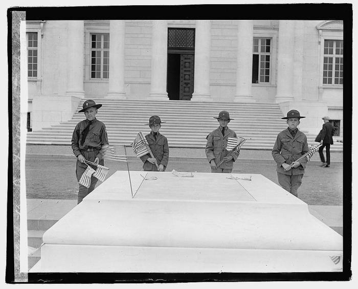 Scouts at Arlington Cemetery, 1923